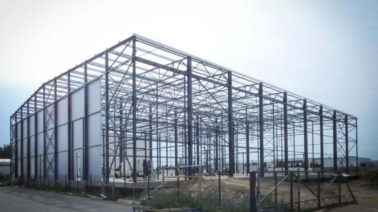 Konstrukcja hali o pow. 2200m2